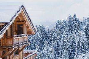 Cum să setezi un preţ realist pentru proprietatea pe care vrei să o dai în chirie în scopuri turistice